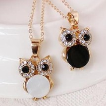 Classic Japanese and Korean Owl Clavicle Chain Black and White Shell Animal Anim - $7.57