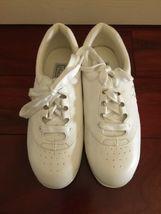 Vintage NIB Box 1990s 90s Mushrooms Women Shoes Sneaker White Sz 7 Nurse Vegan image 3