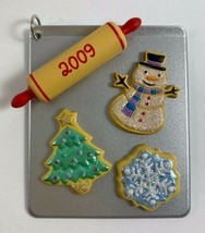 HALLMARK KEEPSAKE 2009 Seasons Treatings Christmas Tree Ornament - $49.49