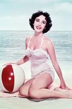 Elizabeth Taylor Glamour Pose Swimsuit 18x24 Poster - $23.99