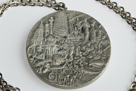 "Beautiful Greetings From Malaysia SELANGOR Pewter Pendant 30"" Necklace B1 - $16.00"
