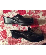Womens 10 blk LEATHER THOM McAN Clogs Shoes COMFY - $11.23
