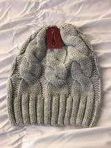 New Merona Women's Beanie Gray Knit Winter Hat One Size - $15.64 CAD