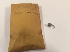 (1) Poulan Chainsaw 39071 Plug Wire End 530039071 New Old Stock - $6.99