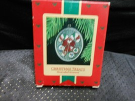 "Hallmark Keepsake ""Christmas Treats"" 1985 Ornament USED See Details   - $4.85"
