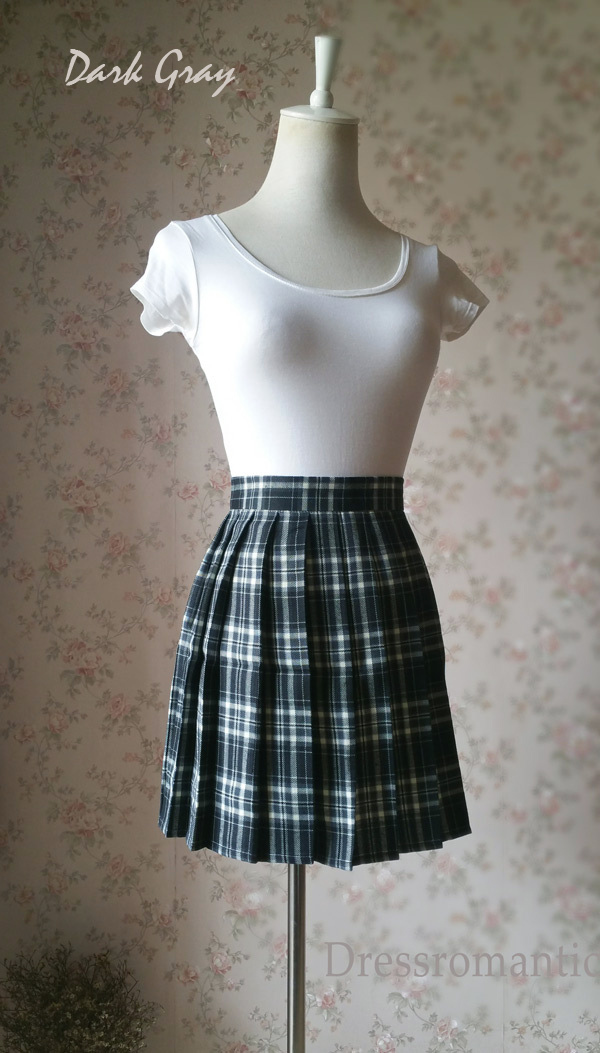 Women School Style Plaid Skirt Black and White Plaid Skirt Short Pleated Skirts