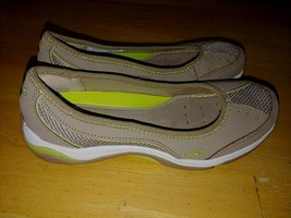 Ryka Ladies Light Brown SLIP-ON SHOES-6W-LEATHER/FABRIC UPPER-BARELY WORN-CLEAN - $19.79