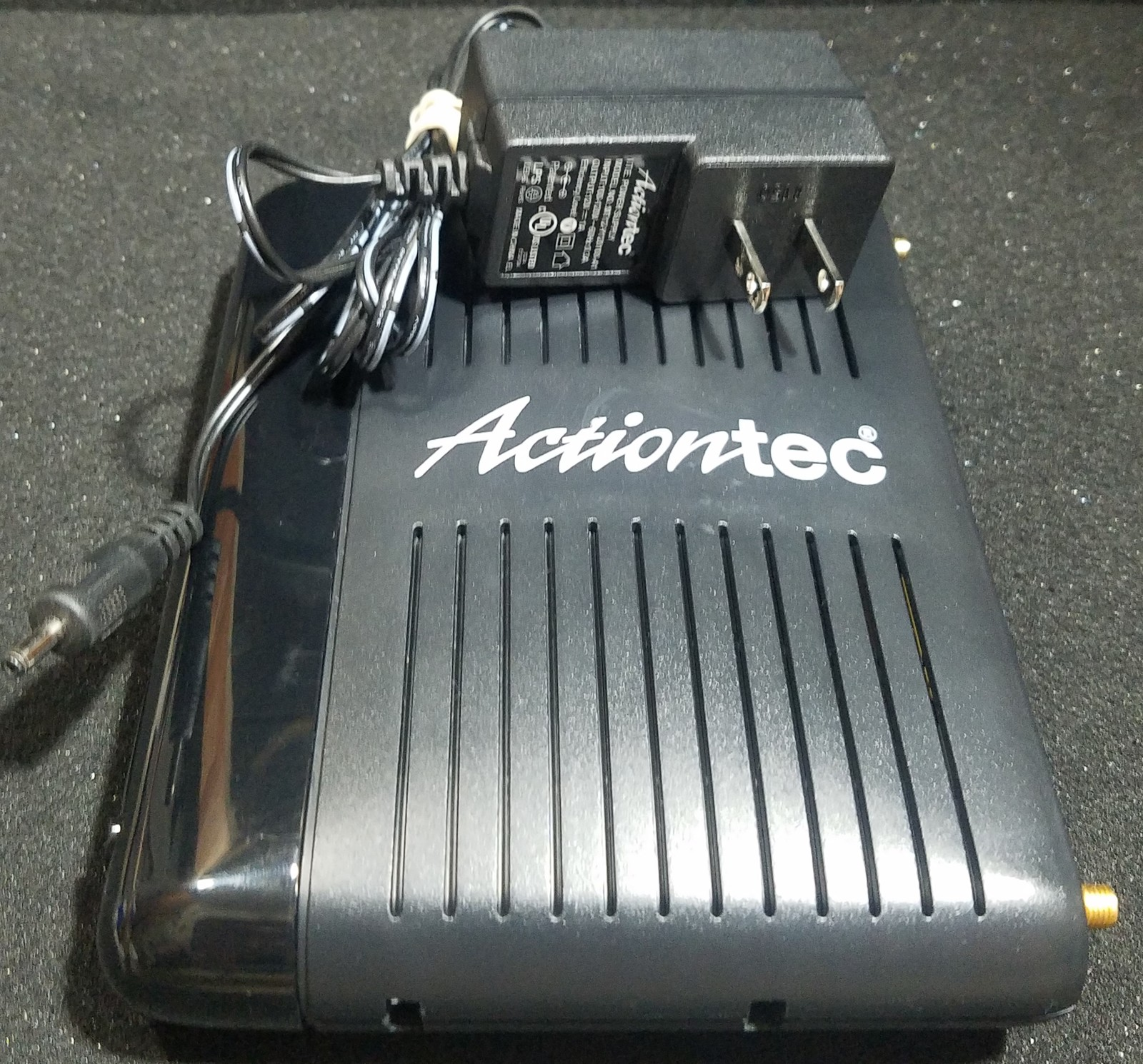 Actiontec GT784WN Wireless-N DSL Modem Router and 24 similar