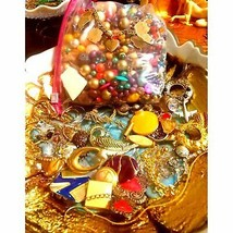 Art Crafters HUGE LOT of UNIQUE Jewlery - $36.63