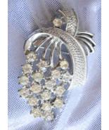 Elegant Mid Century Modern Crystal Rhinestone Silvery Brooch 1950s vintage - $14.95