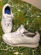 REEBOK-MENS-CLASSIC WHITE LEATHER SNEAKERS SZ 9M -VERY GOOD W/SOME SOLE ... - $29.69