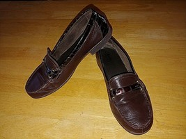 CLARK'S LADIES BROWN LEATHER LOAFERS-12M-VERY GENTLY WORN-PATENT TRIM-SO... - $14.99