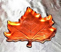 Hand Painted Leaf Shaped Serving / Candy Dish with handle Cheryl&Co.  AA19-1384 image 3