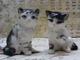 Vintage Pair of Black & White Tabby Kitten Figurines // Miniature Cats // Japan - $14.00