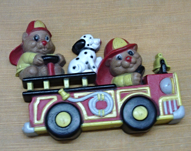 Vintage Molded Plastic.FIRE ENGINE DALMATIAN DOG Plastic Wall Hanging