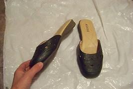 womens ashro green cut out slip on mules shoes size 8 - $19.78