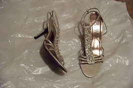 womens new york transit silver beaded t-strap heels shoes size 9 1/2 - $19.79