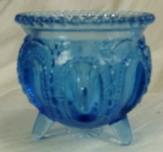 Boyd Gypsy Pot Toothpick Holder Blue Violet Glass Witches Pot - $13.56