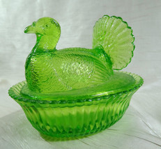 "Boyd 5"" Turkey on Ribbed Nest Pistachio Glass Chicken Candy Dish - $41.61"