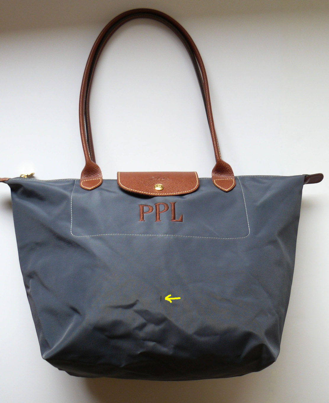 lonchamp le pliage gray monogrammed tote shoulder bag made in france xl handbags purses. Black Bedroom Furniture Sets. Home Design Ideas