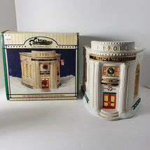 Christmas Valley Village Fellow's Trust BanK Mainstreet Collectible Eart... - $18.49