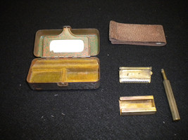 Vintage Valet Auto Strop Razor In Original Metal Carrying Box - $39.99
