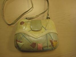 Leather Clamshell Crossbody/Shoulder Handbag - $20.00