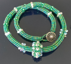 Kelly Green Seed Beaded Necklace With Sliding B... - $49.00