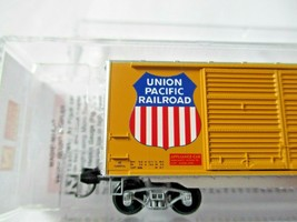 Micro-Trains # 02300362 Union Pacific 40' Standard Boxcar Double Doors N-Scale image 2