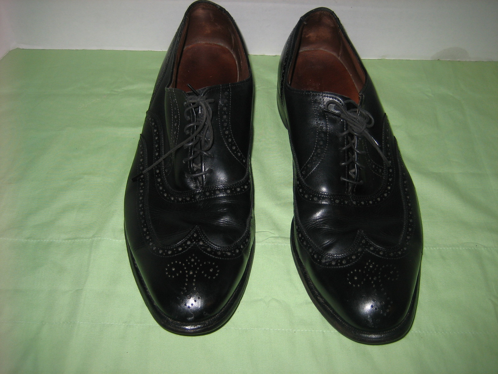 allen edmonds chester black leather oxford wing tip