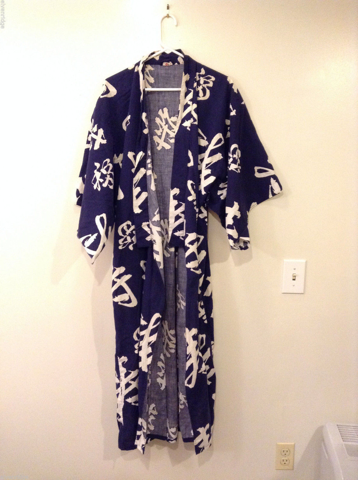 Authentic Japanese Cotton Robe Kimono Yukata Navy Blue & White Calligraphy Print