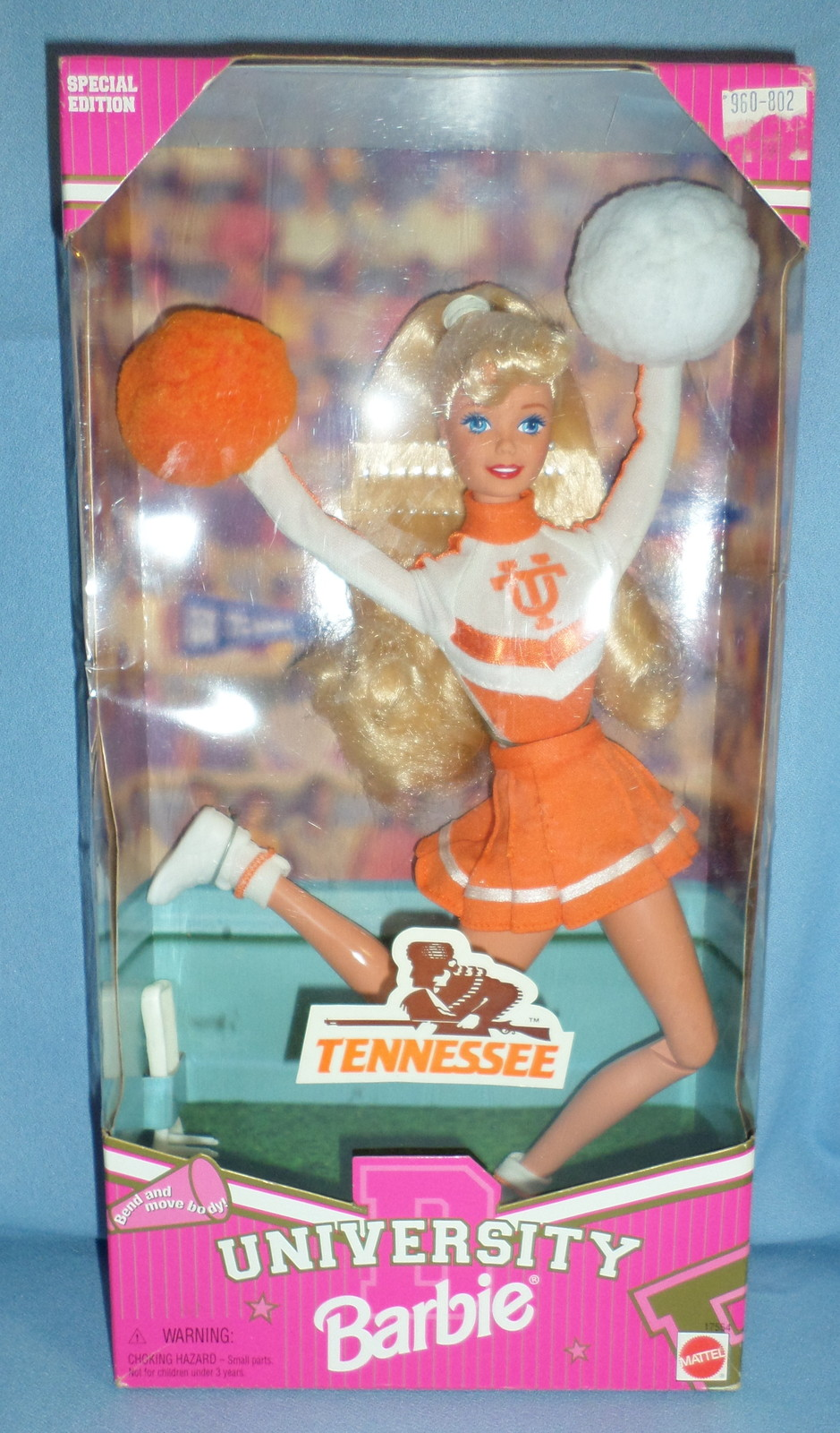 Mattel Barbie Doll University Tennessee Cheerleader 1997 orange white  H19