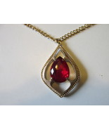 "Vintage Sarah Coventry ""Scarlet Tears"" Pendant Necklace-Faceted, Prong S... - $15.00"