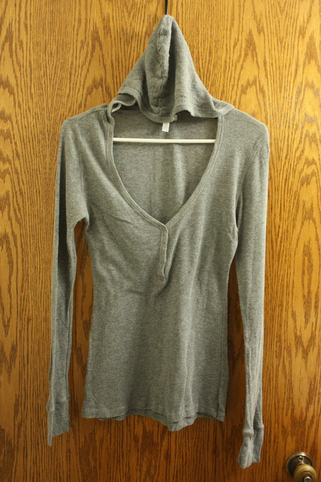 Primary image for Aeropostale Gray Henley Shirt with Hood - Size L Juniors