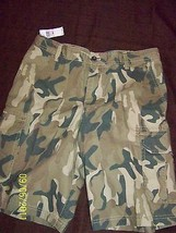 Izod Men's Cedarwood Khaki Shorts Size: 32W - $24.74