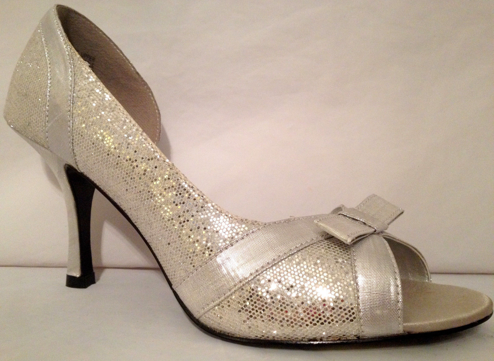 bac0835e80e S l1600. S l1600. Previous. New Unlisted Kenneth Cole Size 10 M Silver  Sparkle High Heel Open Toe Women Shoe · New Unlisted Kenneth ...