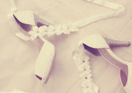 Advanced custom wedding shoes white lace ribbon... - $128.00