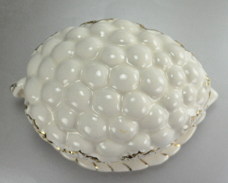 Sousha Grape Cluster White Bone China Covered Dish
