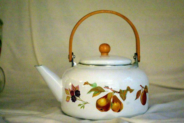 Royal Worcester 2015 Evesham Gold Enameled Metal Kettle Wood Handle