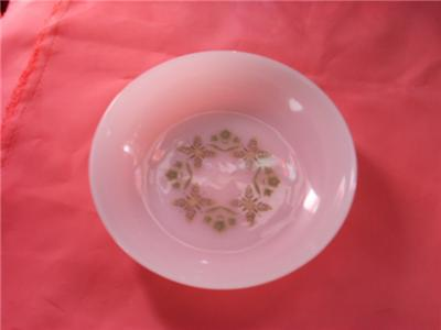 Primary image for ANCHOR HOCKING DINNERWARE USA BOWL GREEN FLORAL LEAVES
