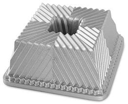Nordicware 80537 Bundt Squared Pan, Silver - $612,46 MXN