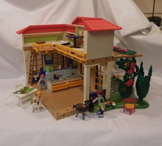 Playmobil 4857 Summer Vacation House bed bath kitchen furniture accessories - $62.14
