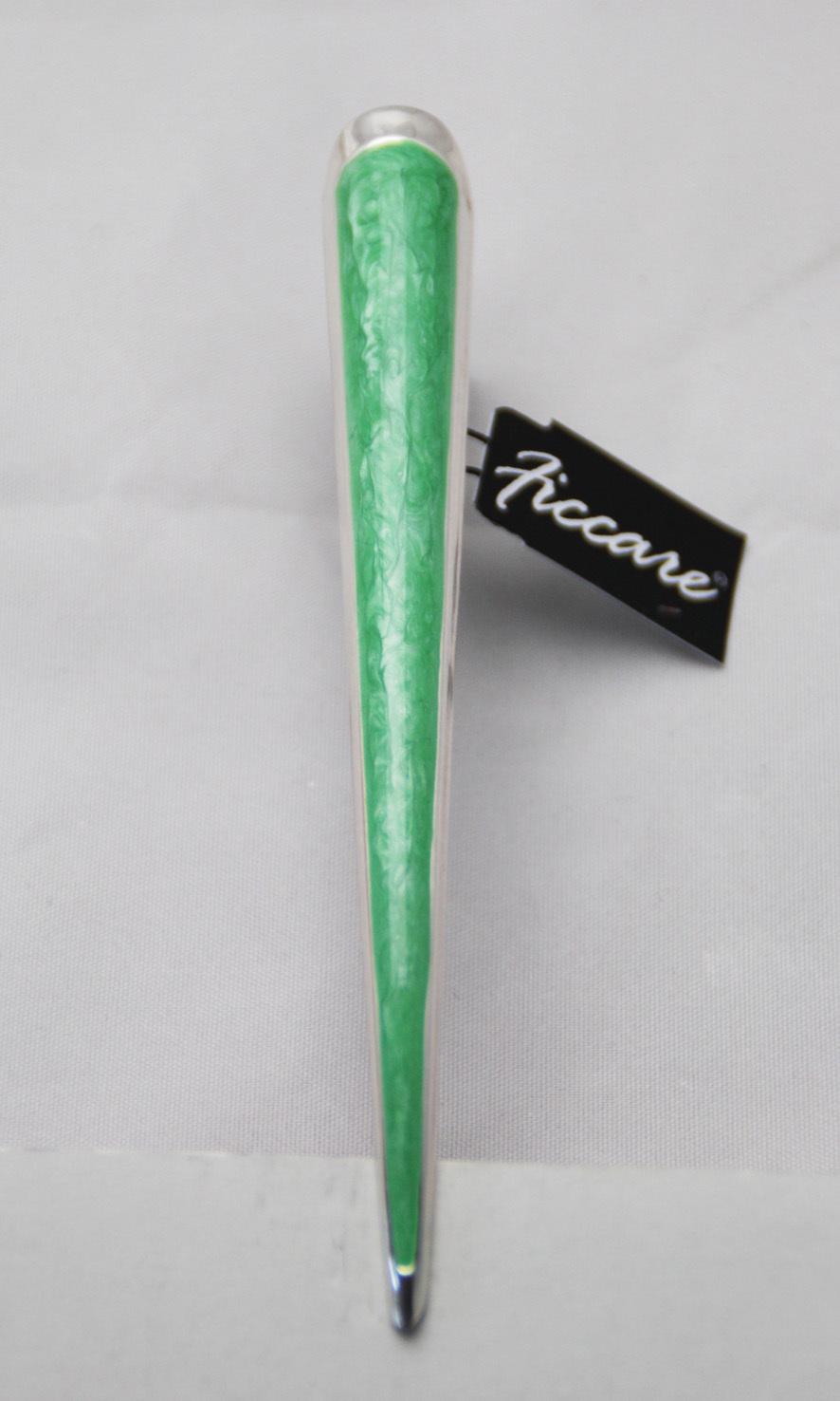 ficcare medium border innovation clip bright green