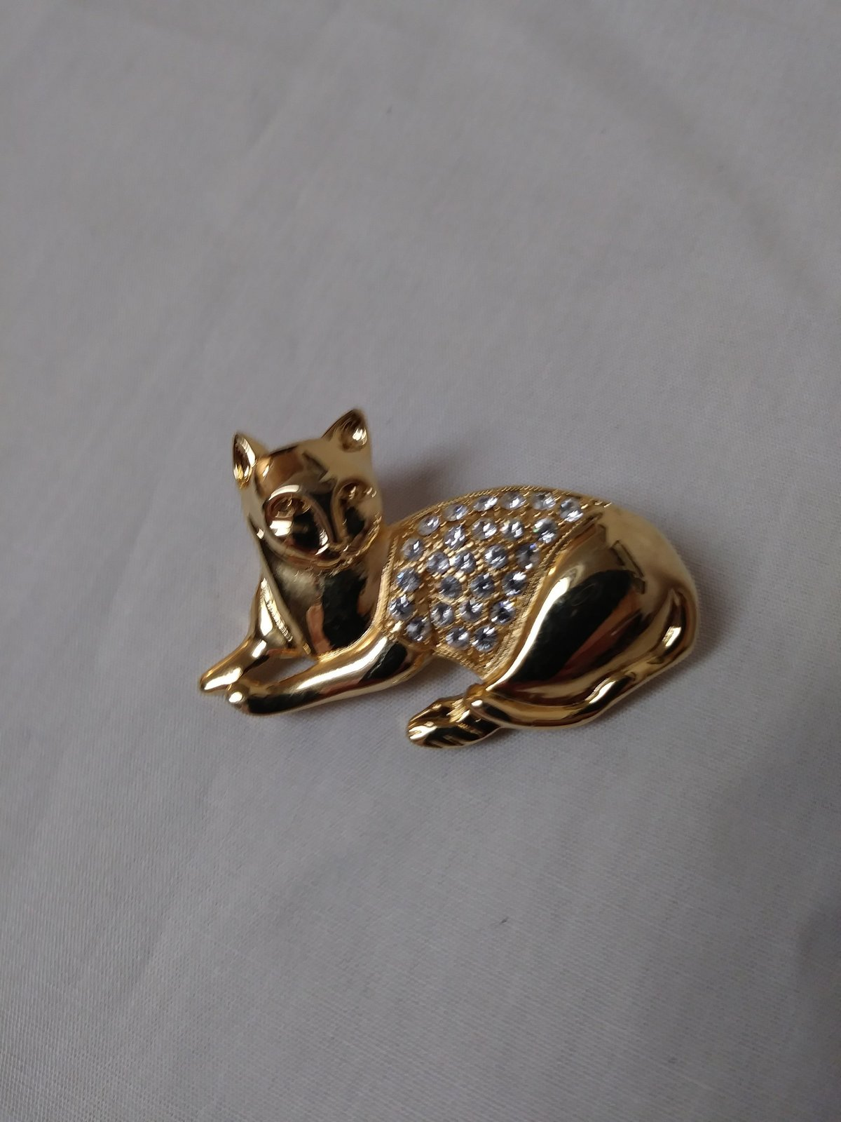 Gold Tone Rhinestone Kitty Pin/Brooch