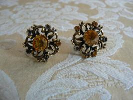 Beautiful Vintage Coro Antique Gold Tone Amber Rhinestones Screw Type Ea... - $12.86