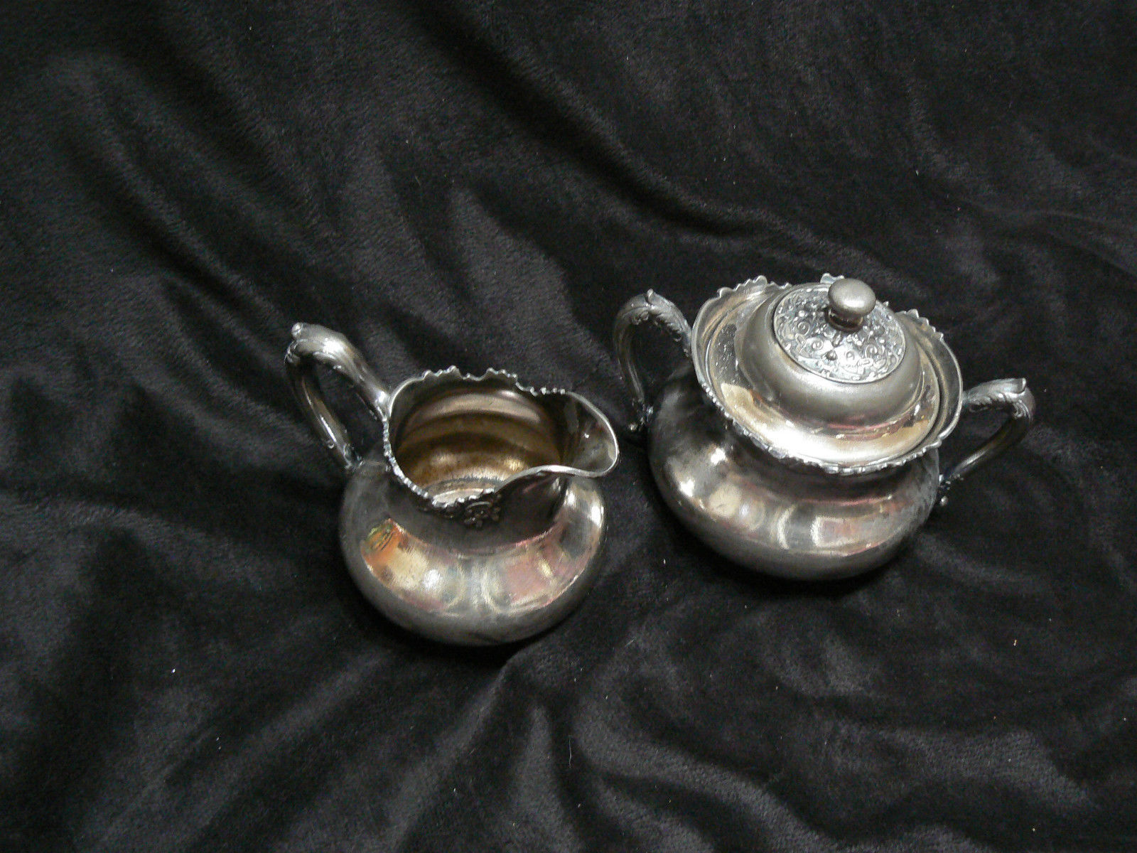 Antique/Vintage Reed & Barton M.F&D Plated Large Creamer & Sugar Bowl with Cover