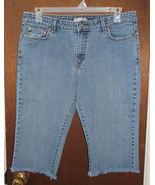 Misses Levi's 515 Boot Cut Blue Jeans Capris Size 14 - $12.99