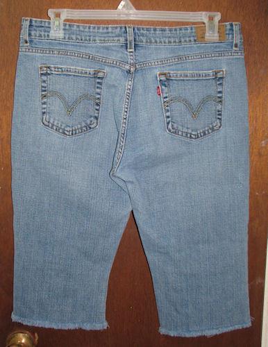 Misses Levi's 515 Boot Cut Blue Jeans Capris Size 14