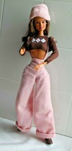 1993 Mattel.Barbie Poseable Brunette Hip Hop Style Outfit & Accessories - $8.60