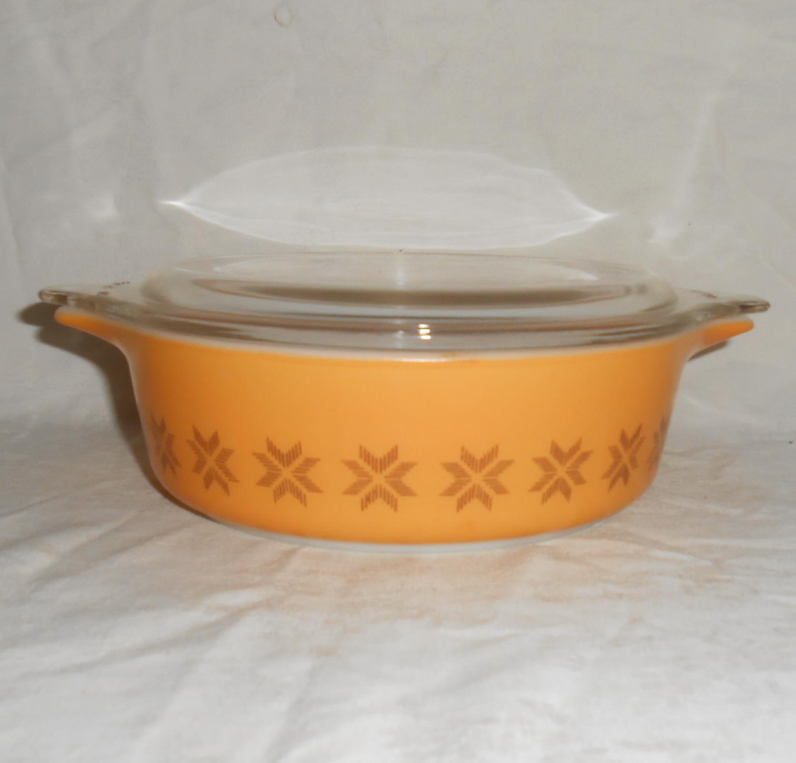 Pyrex  471 town   country 1pt cinderella casserole dish  gold 002